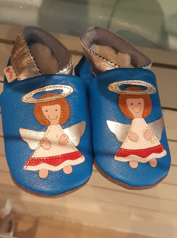 Hand stitched leather kids shoes